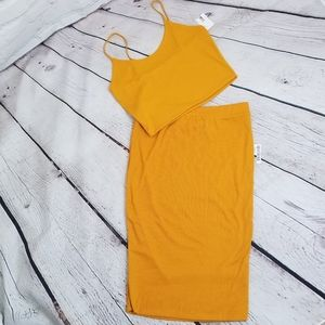 NWT Mustard Color Two Piece Rigged Skirt Set